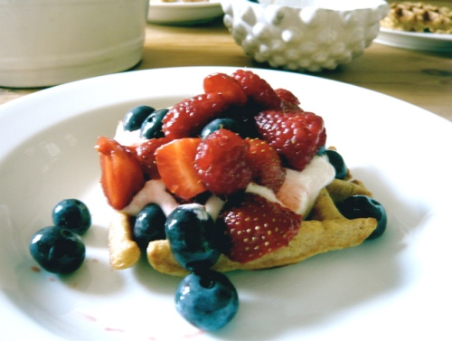 spelt almond waffle with berries and yogurt